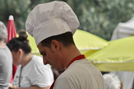 chef, cooker, cooking, portrait, landscape, woman, people, man, outdoors, street