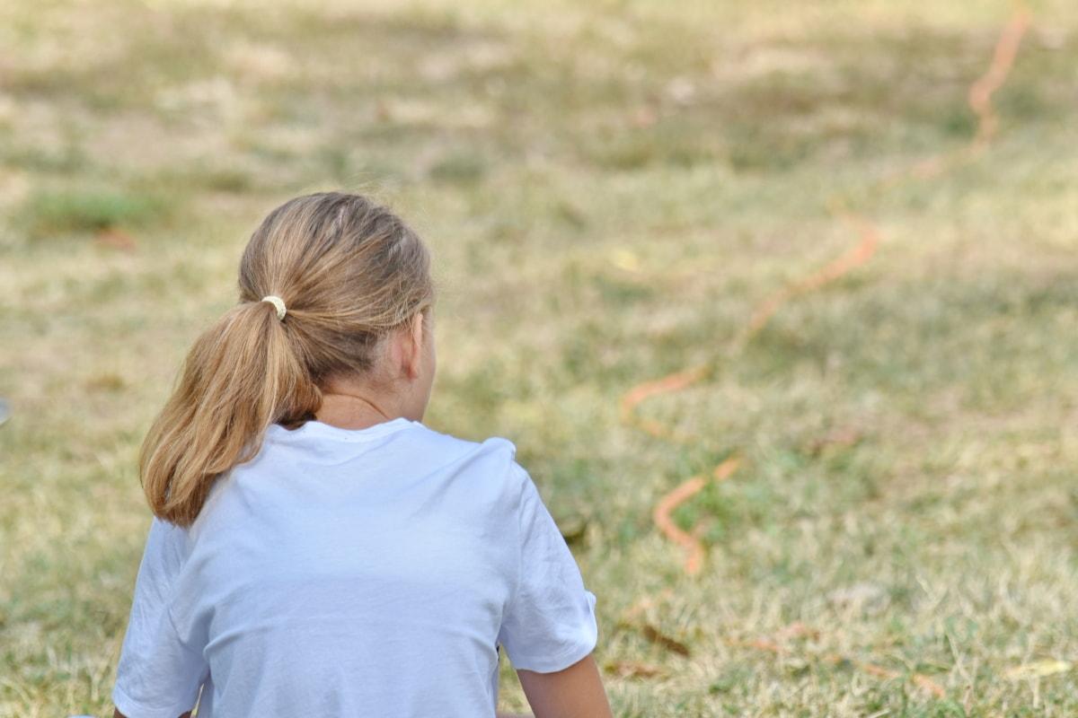 mái tóc vàng, vùng nông thôn, kiểu tóc, Cô bé xinh đẹp, thư giãn, ngoài trời, cỏ, Thiên nhiên, mùa hè, thời tiết công bằng