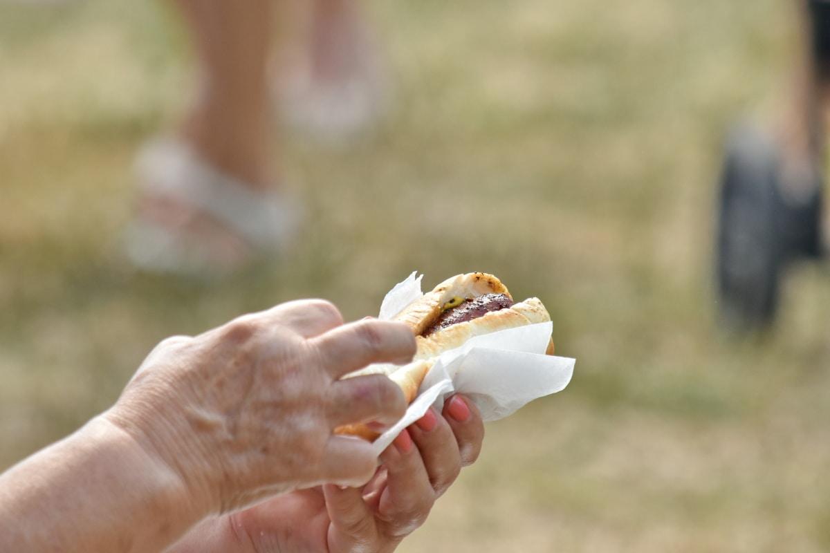 вкусный, палец, сэндвич, летний сезон, на открытом воздухе, люди, питание, Природа, рука, трава