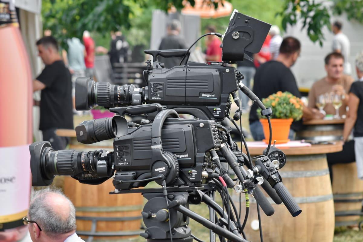 Festival, Interview, film, enregistrement vidéo, équipement, objectif, journaliste, trépied, télévision, gens