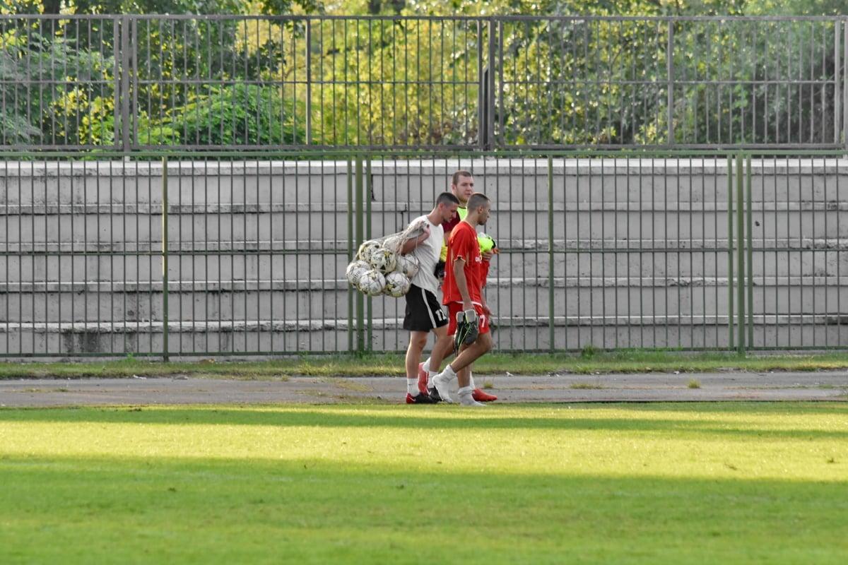 fotballspiller, fotball, samarbeid, treningsprogram, utstyr, spilleren, sport, gresset, ballen, idrettsutøver