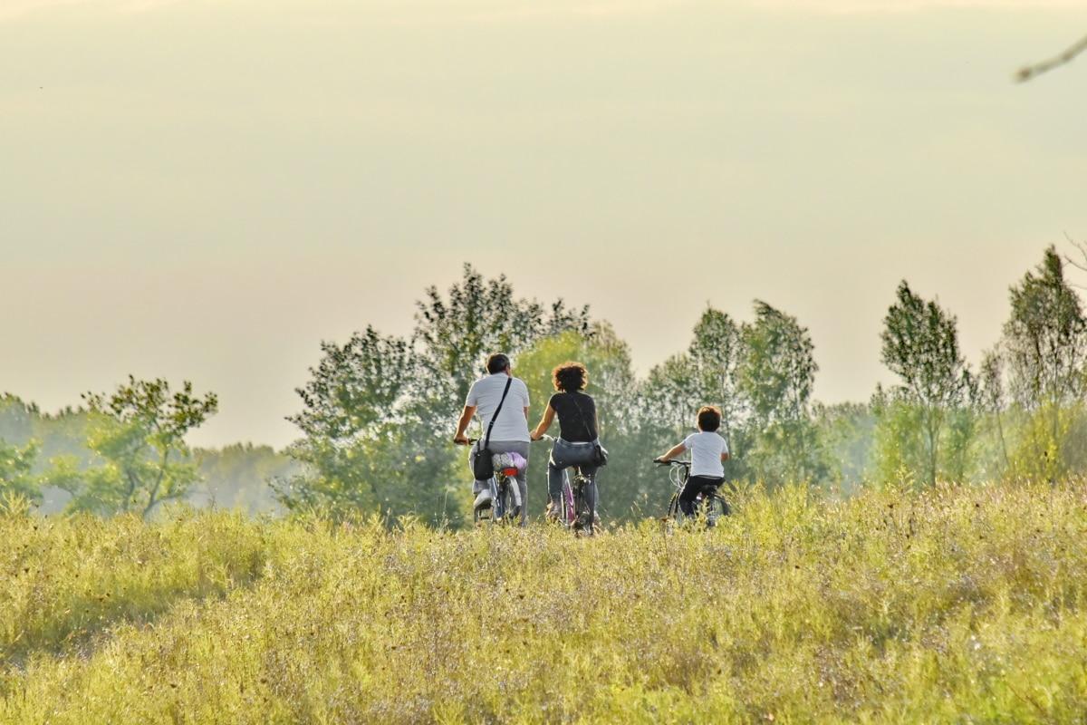 ποδήλατο, εξοχή, απόλαυση, οικογένεια, πατέρας, τρόπος ζωής, μητέρα, σωματική δραστηριότητα, χαλάρωση, ο γιος