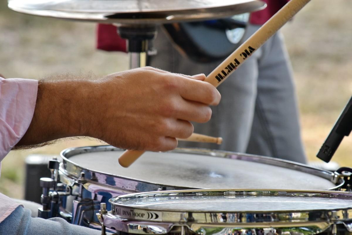 concert, tambour, Pilon, musicien, artiste interprète ou exécutant, compétence, musique, bâton, bande, instrument