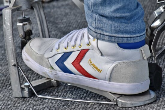 casual, shoelace, footwear, foot, shoe, leather, pair, shoes, sneakers, fashion