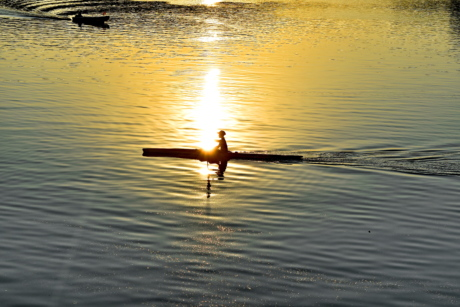 canoe, recreation, reflection, shadow, silhouette, sunrays, sunset, river, lake, water