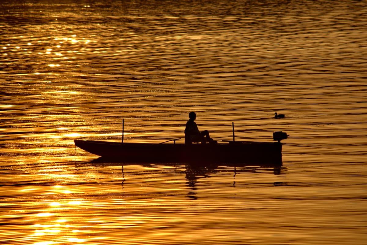 тъмнината, отражение, релаксираща, слънчевите лъчи, рибар, лодка, зората, вода, залез, слънце