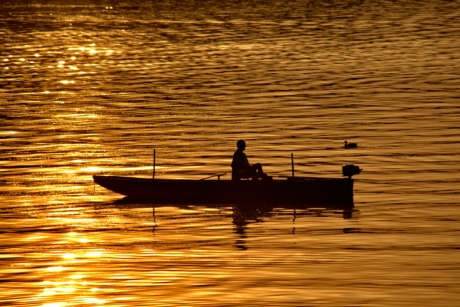 darkness, reflection, relaxing, sunrays, fisherman, boat, dawn, water, sunset, sun