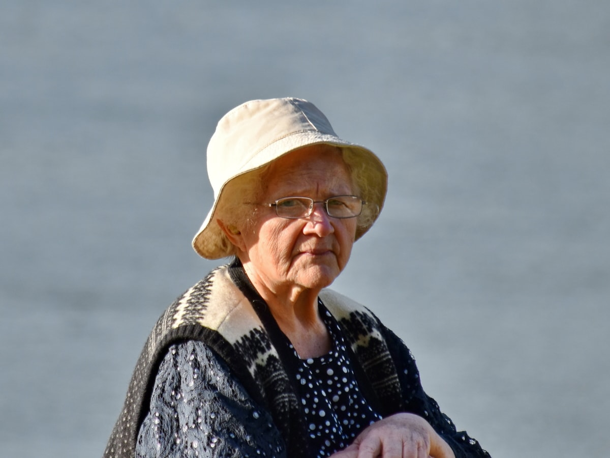 gözlük, Büyükanne, eller, şapka, yaşam tarzı, emekli, Foto model, portre, profil, yan görünüm