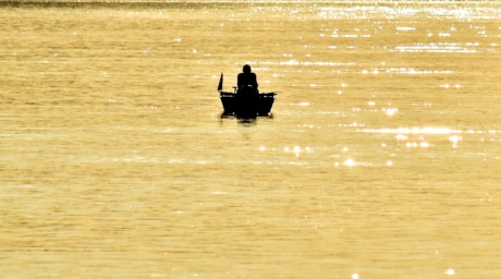 distance, fisherman, fishing boat, golden glow, shadow, silhouette, water, paddle, boat, beach