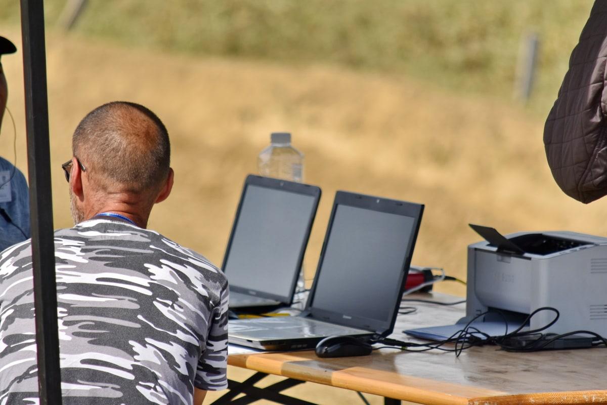 rad na terenu, vanjski, programer, bilježnica, rad, posao, prijenosno računalo, dnevno, inženjer, računalo
