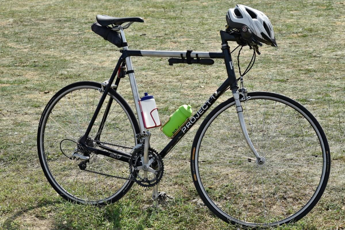 bottled water, bottles, helmet, mountain bike, professional, steering wheel, wheel, cycle, seat, bicycle