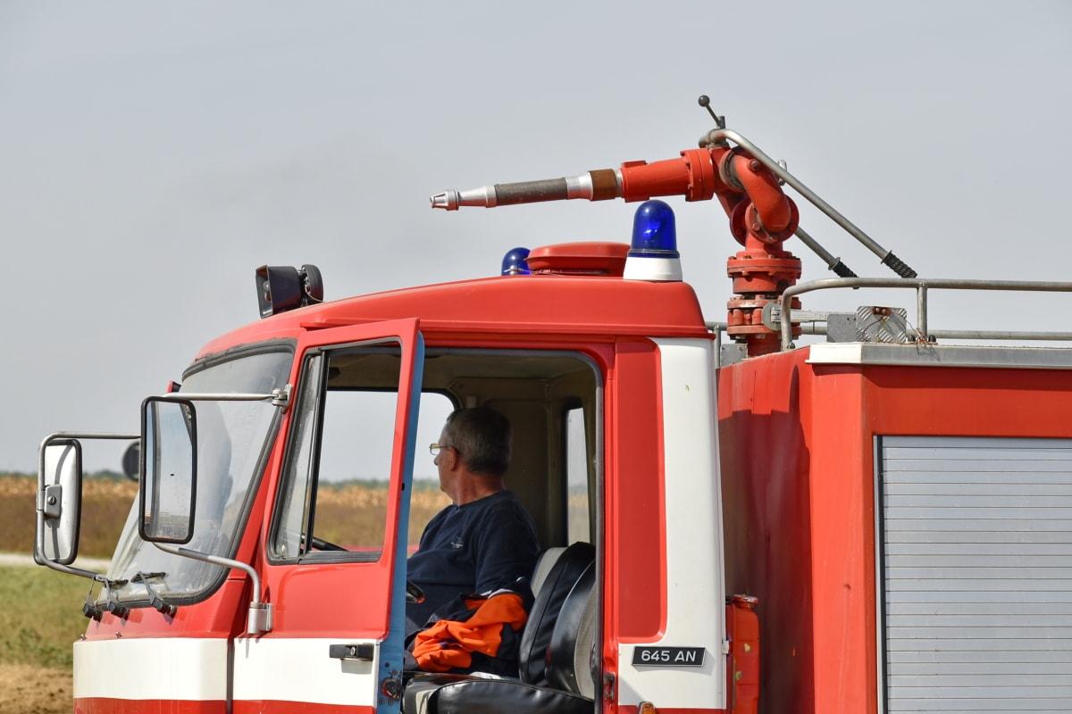 pligt, nødsituation, brandmand, slange, lastbil, forruden, arbejdspladsen, benzin, industri, redde