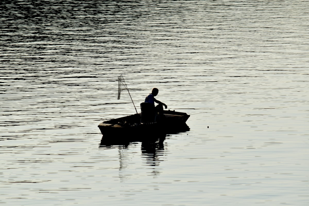 kalastusvene, pyydysten, verkkosukat, varjo, siluetti, joki, järvi, laitteen, vesi, kalastaja