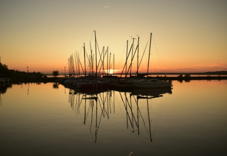 silueta, záliv, krásný obraz, reflexe, plachetnice, západ slunce, jachtařský klub, jachty, voda, marina