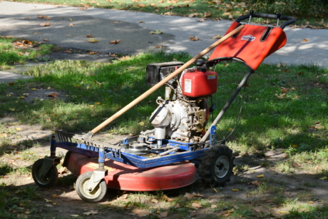 engine, garden, lawn, lawnmower, rake, tool, vehicle, machine, wheel, grass