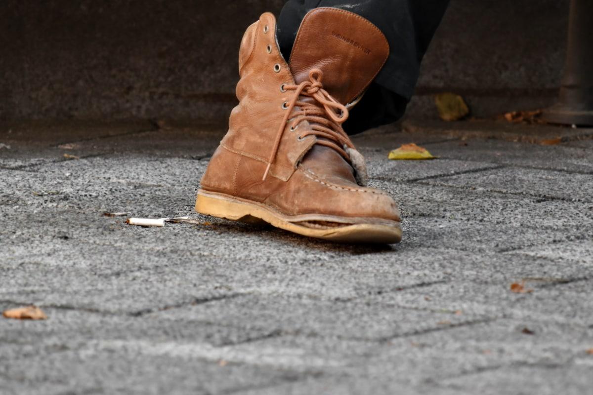 prljavi, rupa, staro, cipela, stopala, čizma, asfalt, tlo, obuća, trotoar