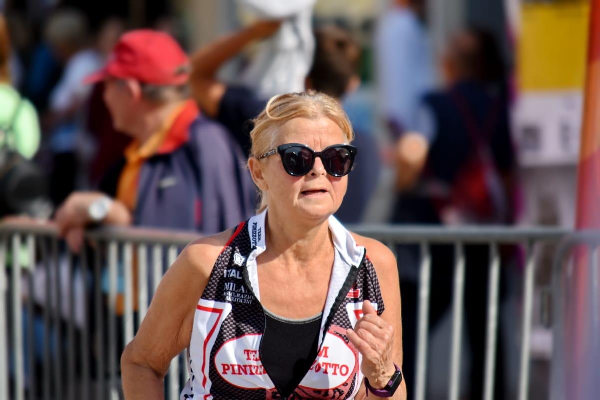 plava kosa, starije osobe, izdržljivost, lice, fitness, baka, baka, trčanje, maraton, portret