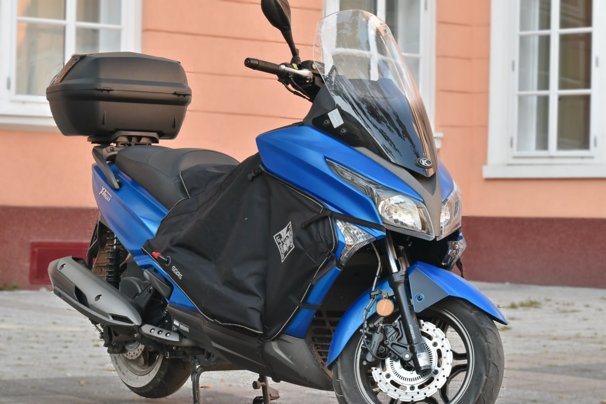 blue, motorcycle, parking lot, scooter, vehicle, conveyance, motorbike, wheel, classic, street