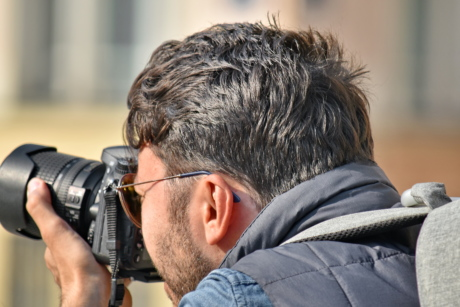 beard, focus, head, paparazzi, photographer, portrait, professional, side view, zoom, man