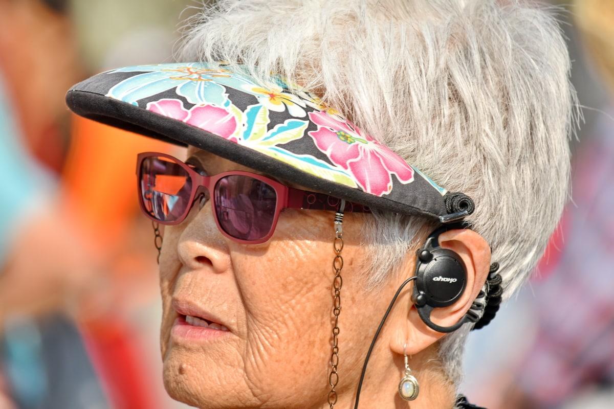 Oortelefoons, ouderen, gezicht, Japans, portret, zonnebril, vrouw, Festival, mensen, plezier