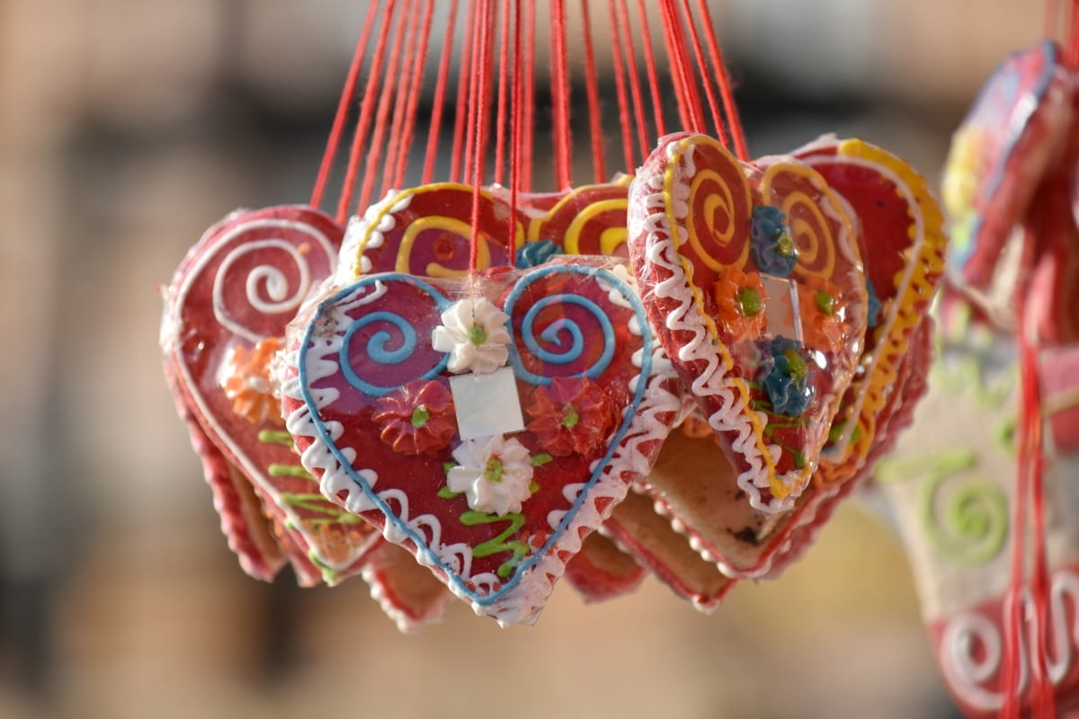 gingerbread, hearts, decoration, heart, celebration, traditional, love, romance, wedding, sugar