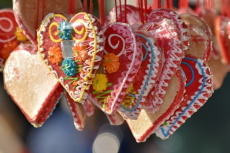 gingerbread, hearts, heart, decoration, celebration, traditional, sugar, candy, love, romance