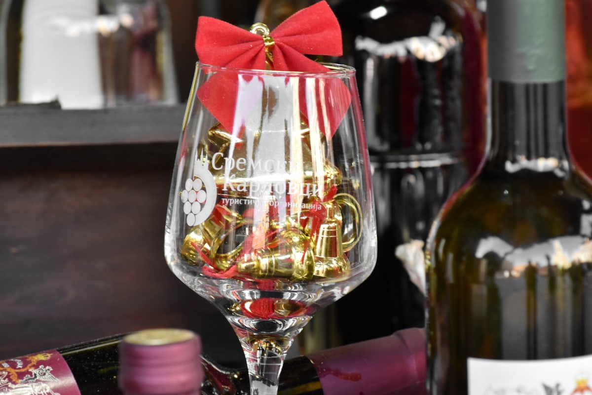 christmas, crystal, decoration, glass, luxury, wine, party, alcohol, drink, container
