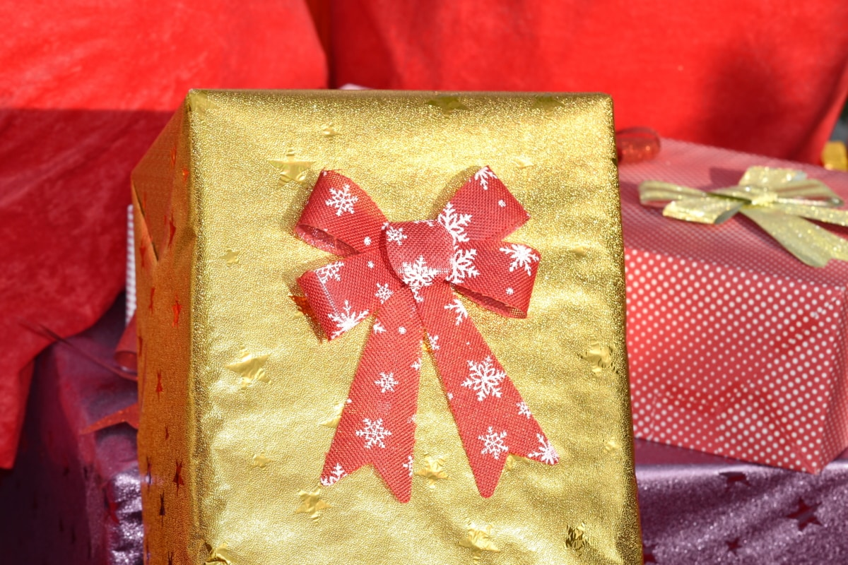 boxes, christmas, decoration, gifts, golden shiner, shine, package, interior design, celebration, shining