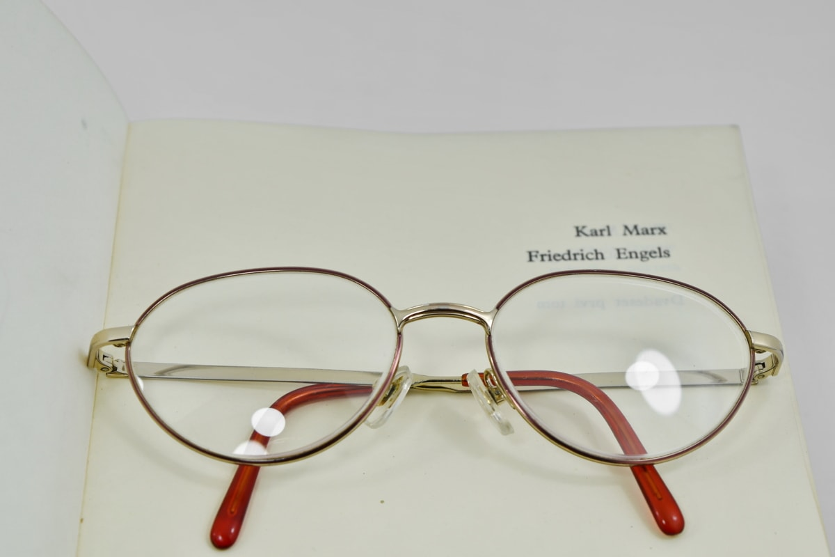 livre, grossissement, Lunettes, lunettes de vue, objectif, Retro, lunettes de soleil, papier, optométrie, plastique