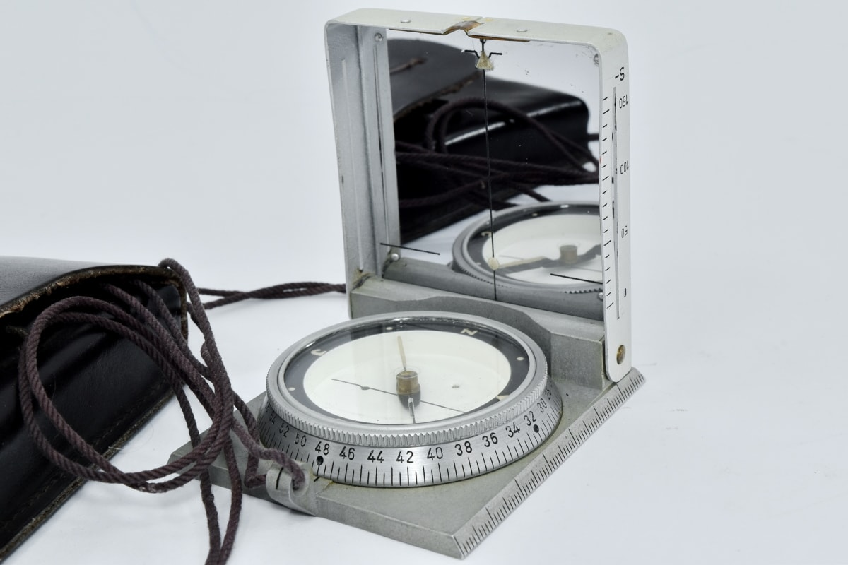 compass, location, navigation, north side, instrument, device, technology, equipment, exploration, discovery