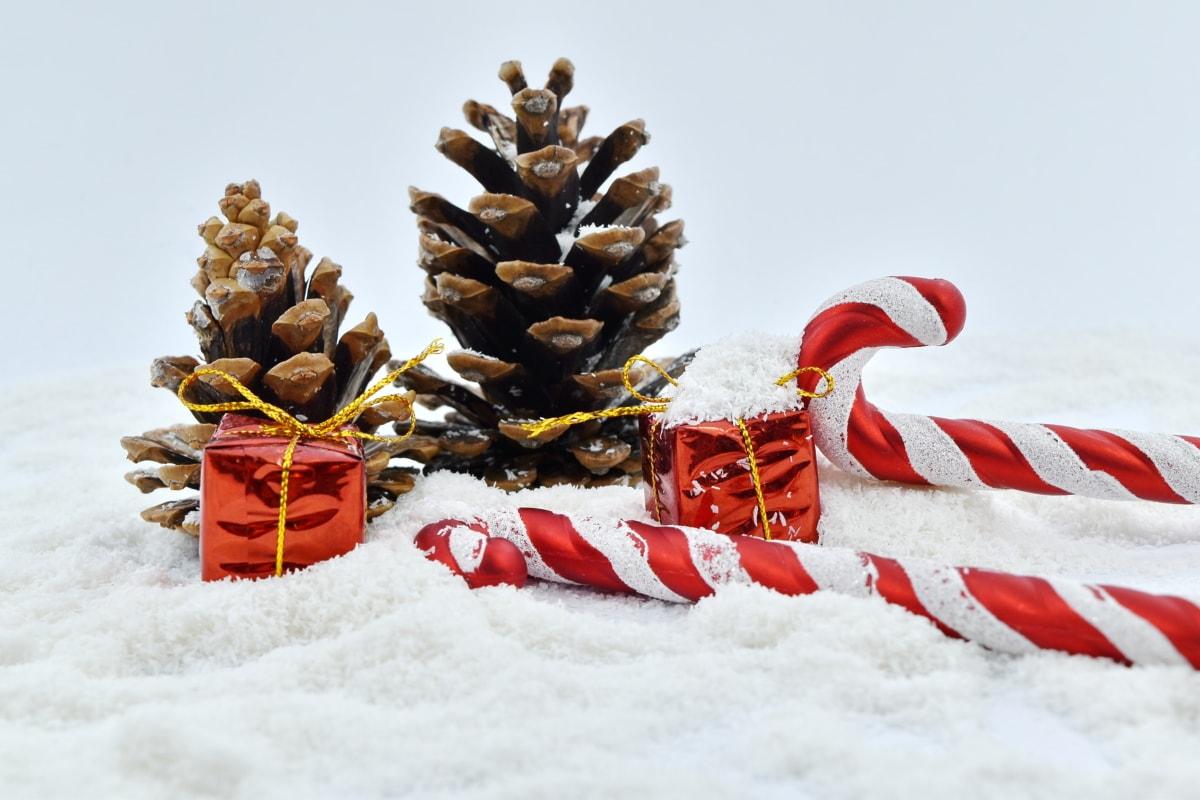 bonbons, Noël, décoration, cadeaux, flocons de neige, cône, arbre, neige, célébration, pin