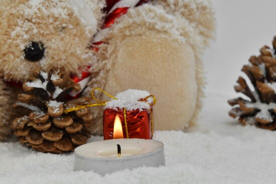 candle, christmas, gift, teddy bear toy, beautiful, brown, candlelight, cute, decoration, decorative