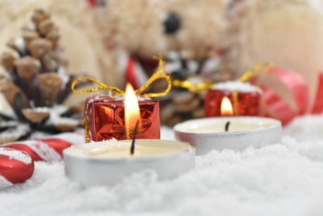 candlelight, candles, decoration, flames, gifts, snowflakes, teddy bear toy, christmas, candle, winter