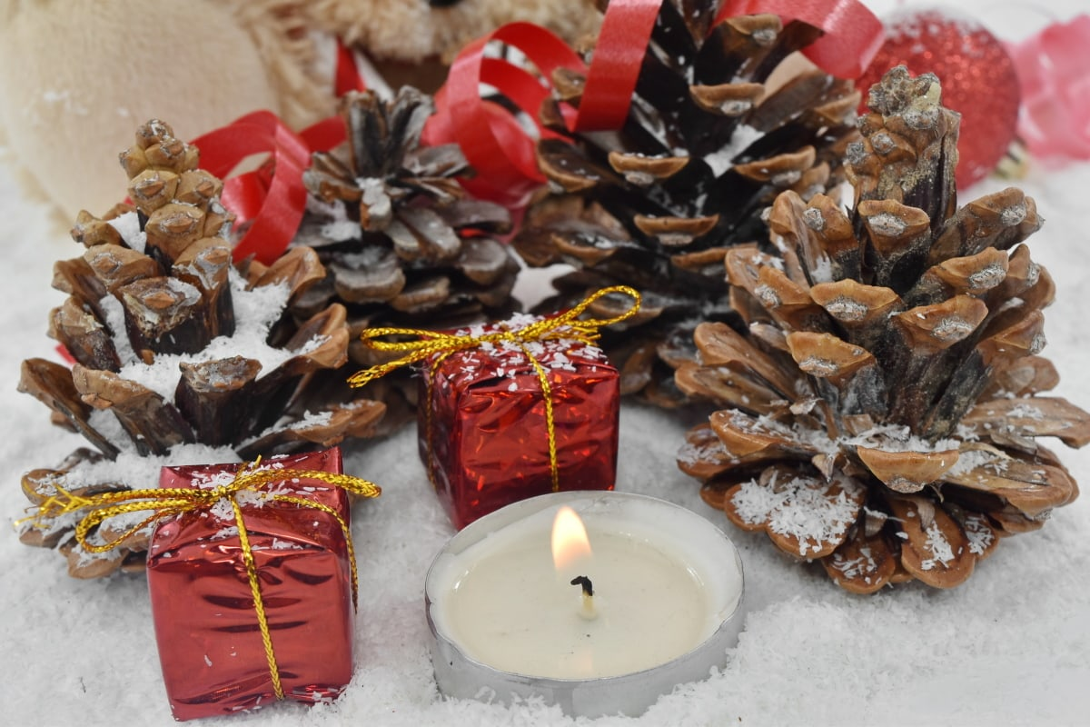 candle, catholic, christianity, christmas, conifer, gifts, holiday, snowflakes, winter, traditional
