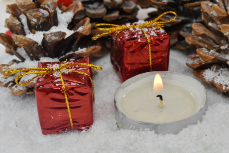 conifers, gifts, miniature, snowflakes, candle, winter, christmas, snow, candy, traditional