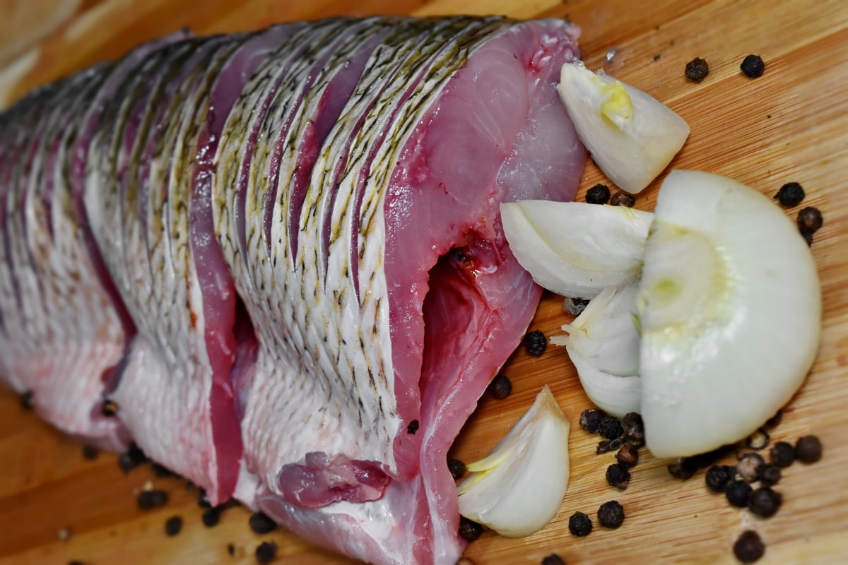 mackerel, onion, raw meat, vegetables, dinner, fish, delicious, ingredients, cooking, nutrition