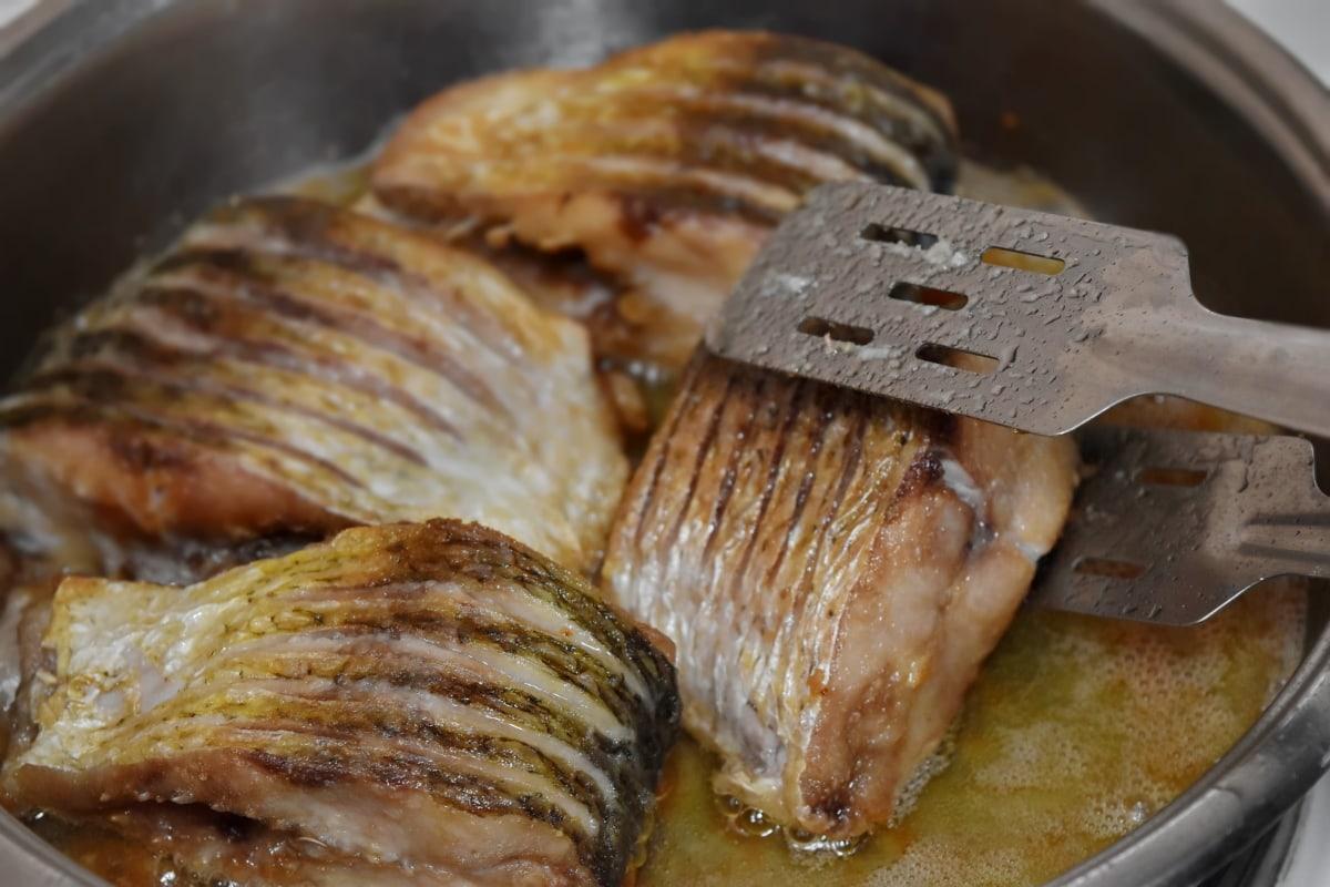 boiling, cutlery, mackerel, meat, oil, organic, pan, protein, roasting, saltwater fish