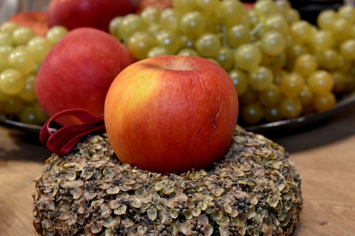 apples, celebration, dinner table, grapes, holiday, still life, vitamin, food, apple, diet