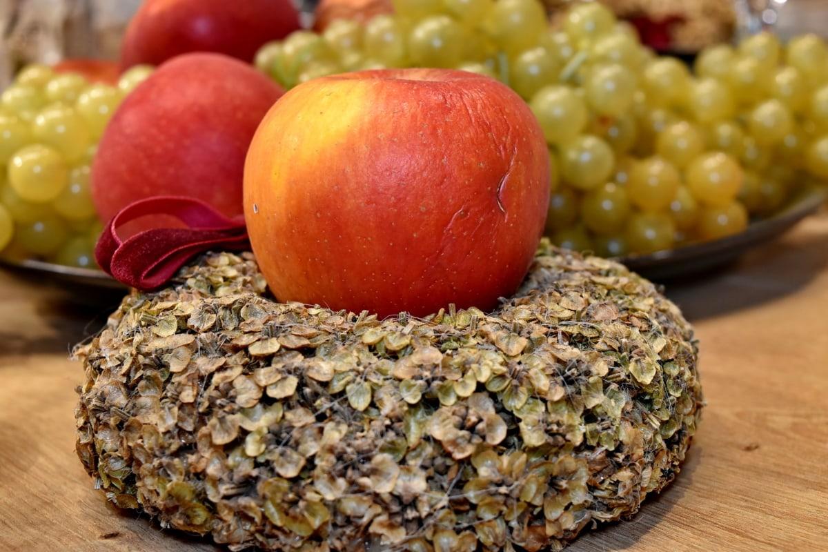 apples, celebration, decorative, dinner table, grapes, holiday, still life, fruit, food, health