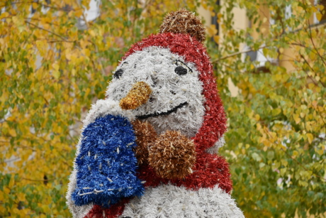 christmas, sculpture, snowman, color, decoration, fun, leaf, outdoors, outside, park