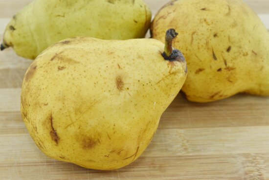 close-up, fruit, healthy, organic, pear, whole, yellowish brown, food, produce, nutrition