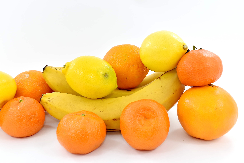 подчеркнула, что картинки фруктов и овощей желтого цвета красной армии