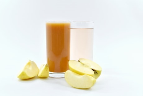 apples, dietary, fruit juice, organic, slices, syrup, vegetarian, beverage, glass, drink