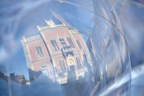 balloon, reflection, toy, transparent, city, architecture, downtown, urban, outdoors, building