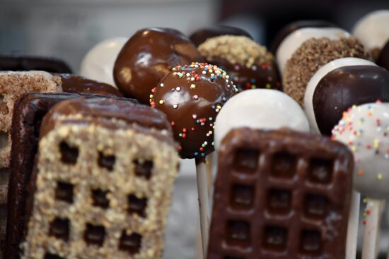 baked goods, biscuit, chocolates, dessert, focus, homemade, milk chocolate, pastry, sweets, delicious