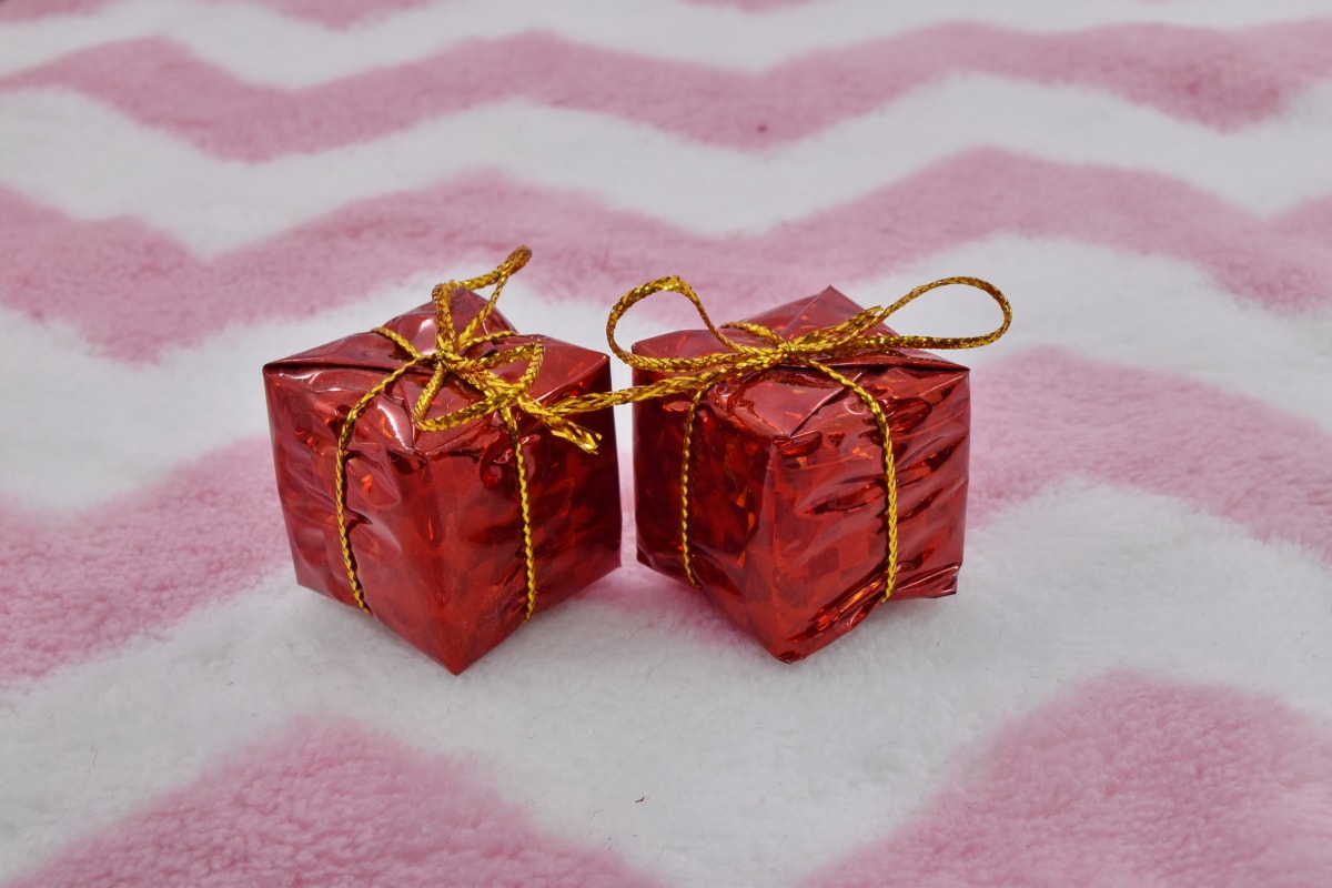 anniversary, birthday, gifts, holiday, miniature, surprise, thread, gift, celebration, romance