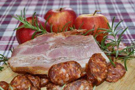 apples, delicious, fat, kitchen table, meat, pork, pork loin, sausage, plate, meal