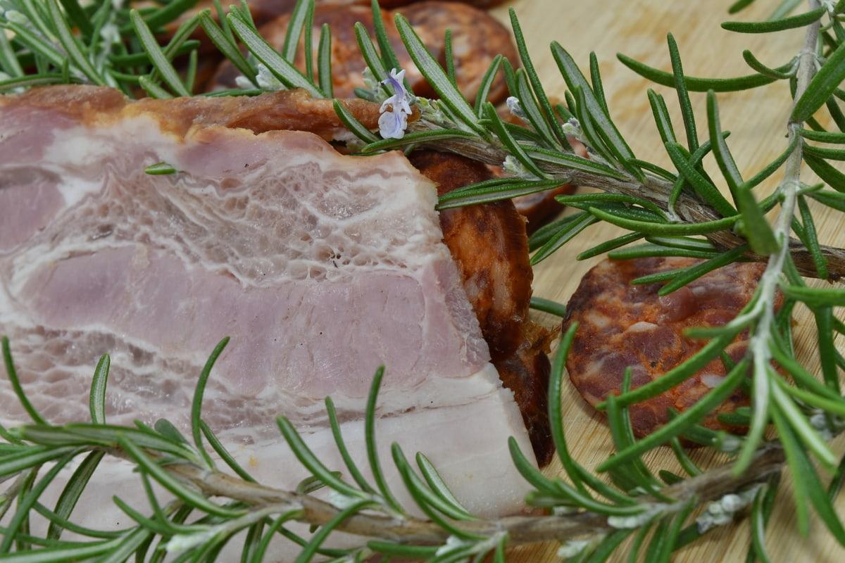 taux de cholestérol, matières grasses, jambon, porc, longe de porc, romarin, saucisse, pimenter, dîner, viande