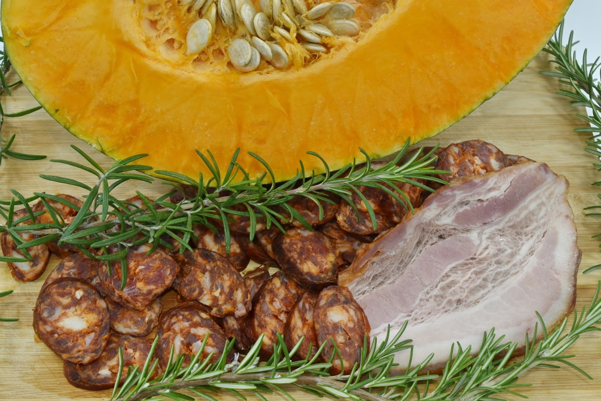 cholesterol, sausage, food, dinner, dill, pork, cooking, delicious, slice, traditional