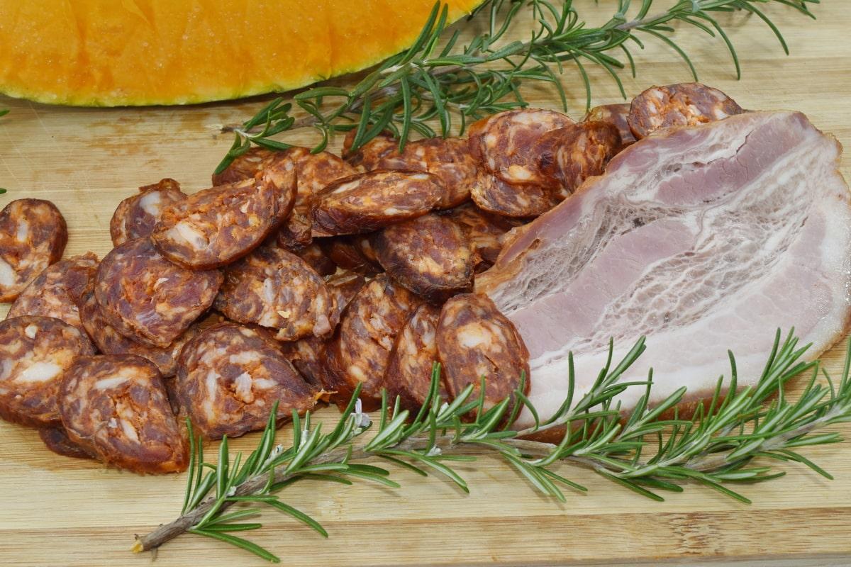 ham, pork, pork loin, sausage, meal, restaurant, meat, dinner, food, vegetable